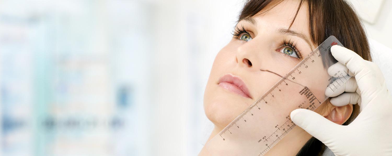 Médico-Cirurgião especialista em Cirurgia Plástica, Reconstrutiva e Medicina Estética